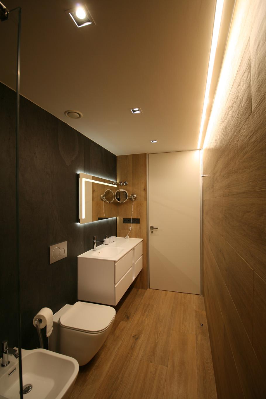 baño-madera-pizarra