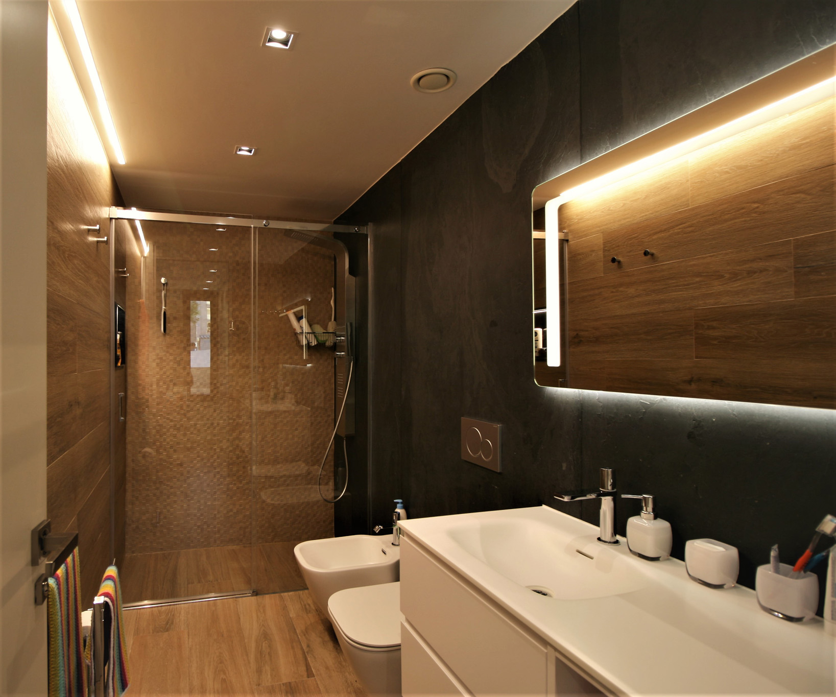 diseño-interior-baño-madera